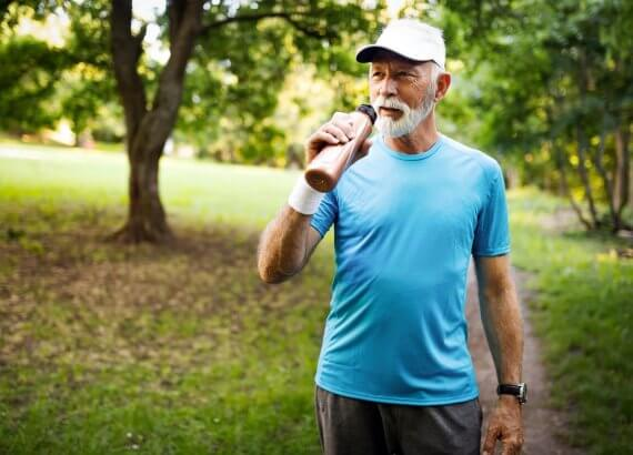 10 prostych nawyków, jak dbać o zdrowie po 65. roku życia
