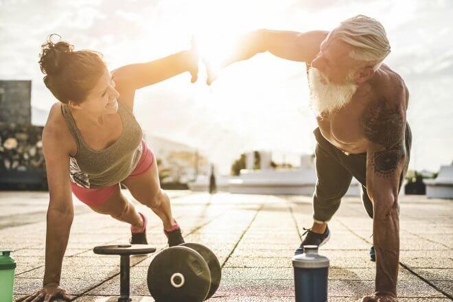 Aktywny i silny senior, czyli jak utrzymać masę mięśniową u osób po 65 roku życia?