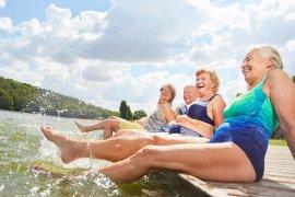 Osoby starsze i upał. Jak się chronić w gorące dni?
