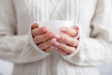 Dlaczego niektórzy z nas mają wiecznie zimne dłonie i stopy?